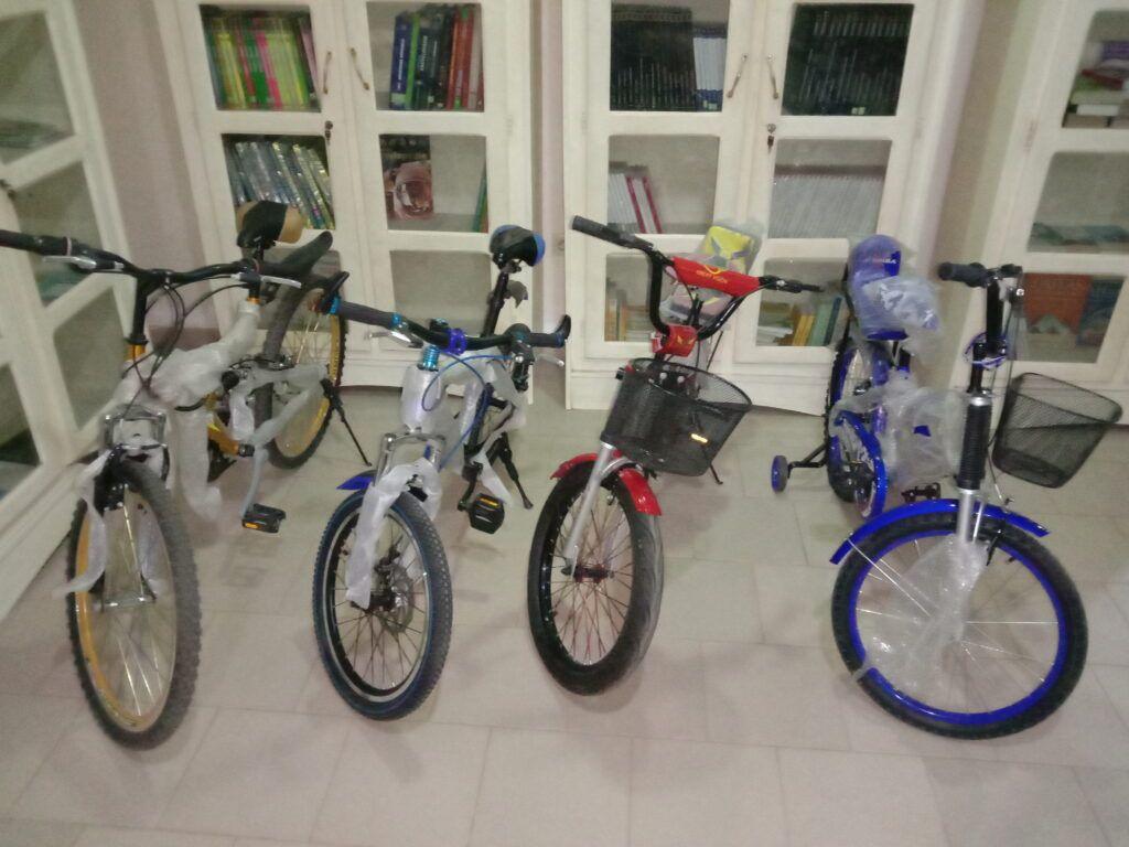 向数学竞赛获胜者提供山地自行车